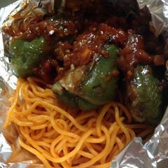 「ピーマンの肉詰め弁当。スパゲティはやっぱ…」(1枚目)