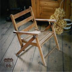 アンティークチェアー/雑貨ディスプレイ/折りたたみ家具/折りたたみ椅子/シューズスタンド/アンスタカタログ/... 🇺🇸アメリカで買い付けた、子供用の 折り…