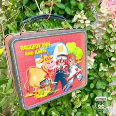 アンティークスタイル/カントリーライフ/ヴィンテージ缶/ランチボックス/アンスタ/アメリカンヴィンテージ/... 🇺🇸アメリカ買付 「ラガディ・アン&アン…(1枚目)