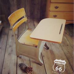 アメリカ/アメリカンヴィンテージインテリア/デスクチェア/レトロ家具/スクールチェア/アンスタ 1950年代に🇺🇸アメリカの学校で 使用…
