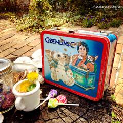 ピクニック/ブリキ缶/キャラクター/映画/グレムリン/ランチボックス/... Happy GW!🏅 🇺🇸アメリカで見つ…