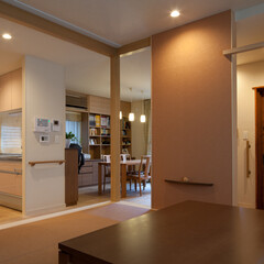 バリアフリー/ナチュラル/二世帯住宅/畳スペース 1階の親世帯部分は、バリアフリーを考えす…