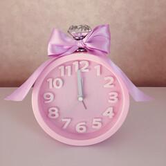 時計をアレンジ/ニトリの時計/ピンク/ラベンダー色のリボン/ダイソーの取手/フランフラン風/... 手作りです◡̈ 薄いピンクが好き♡ パ…