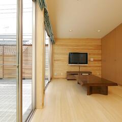 リビング/ダイニング/キッチン/LDK/テラス/庭・ガーデニングリフォーム/... 住宅密集地の、 広いとは言えない敷地と、…