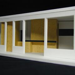 店舗/狭小/変形/ローコスト 店内は、床も、壁も、天井も、真っ白にして…