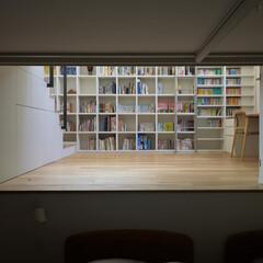 図書室/寝室/スキップフロア 壁に引き込んだ扉で仕切ることもできます。