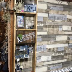 棚/1×4材/団地セルフリノベーション/DIY/インテリア ベット脇に棚を作りました! コンセントな…