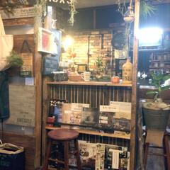キッチンカウンター/ブックシェルフ/DIY/団地リノベーション/セリア/カフェ 我が家のカフェ✨ 好きな雑誌見ながらコー…