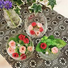 お花のある暮らし/お花の生活/フェイクフラワー/100均/薄グラス/グラス/... 薔薇🥀 薄グラス🍷 キャンドルホルダー🕯…(1枚目)