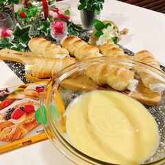 クッキングシート/コロネ/業務スーパー/冷凍パイシート/ホイップクリーム/チョコクリーム/... コロネ~🎶作りました😍  カスタードクリ…(3枚目)