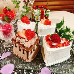 ウイスク/クイジナート/スポンジ/ティファニー/ココアパウダー/チョコレート/... いちご祭り~(🍓´∀`🍓) ハートケーキ…