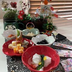 ズワイガニ/タラバガニ/小松菜/柚子/プロシュート/かにかまぼこ/... お正月っぽいお皿に お正月っぽい料理飾っ…(3枚目)