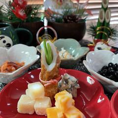 ズワイガニ/タラバガニ/小松菜/柚子/プロシュート/かにかまぼこ/... お正月っぽいお皿に お正月っぽい料理飾っ…(2枚目)