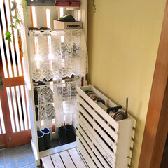 玄関スッキリ/靴棚/すのこリメイク/傘立てDIY/1x4材/100均/... 傘立てはスノコで。 靴棚とスノコ?は1x…