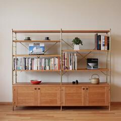 真鍮/ブラス/金物/本棚/シェルフ/ブックシェルフ/... 真鍮とブラックチェリーの本棚です。上部は…