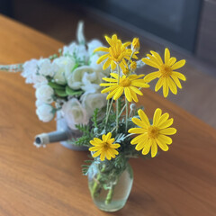 庭の花 庭に咲いているお花🌼を飾ってみた😊🎶