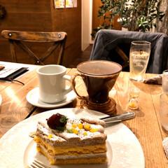 Cafe 大きなケーキで有名なcafeに久しぶりい…