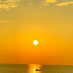 朝日 早いもので7月も今日で終わり😊朝日が登る…(2枚目)