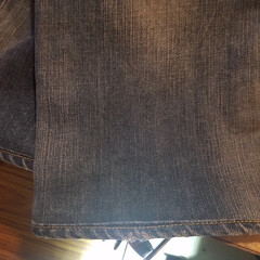 ジーンズ修理/東京/中目黒/リペア/裾あげ 裾のあたり感を残した裾直し。 当店では、…