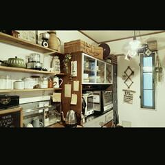 unico/DIY/部屋作り(部屋づくり)/キッチン/男前インテリア/セリア/... キッチン裏の風景。食器棚はunicoさん…
