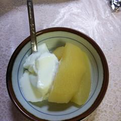 りんご/ホツトケーキ/天ぷら/蕎麦/スイーツ/フード/... 甘いものを食べたくて、リンゴ煮ました☺️…