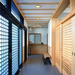 エントランスホール 1階寺院のエントランスホールです。床:ア…