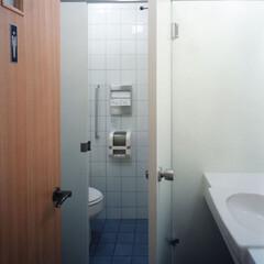 トイレ 1階寺院のトイレです。床・壁:磁器タイル…