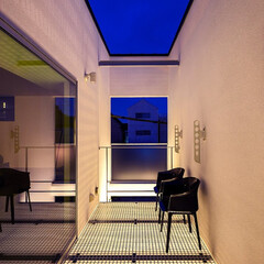 不動産・住宅/注文住宅/デザイン/インテリア/新築/設計事務所/... トンネルの家のバルコニー夜景