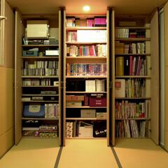 和風/棚 壁面を全て収納とすることで、地震で家具が…