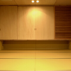 和風 たたみと合板のやさしい寝室空間。