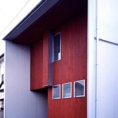 和風 箱型の家はシンプルなシルエットに仕上がり…