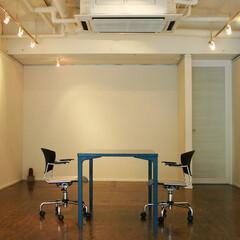 テーブル/チェア 展示品の魅力を引き立てる、リノベーション…