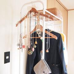 アクセサリー収納/ネックレス収納/100均/DIY/見せる収納/ネックレス/... 私のネックレス収納。 ハンガーラックの側…