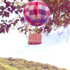 気球モビール/モビール/100均リメイク/100均/ハンドメイド/手作り/... 夏の空にぴったりな気球を作ってみました(…(3枚目)