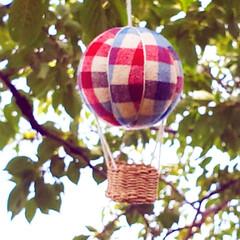 気球モビール/モビール/100均リメイク/100均/ハンドメイド/手作り/... 夏の空にぴったりな気球を作ってみました(…(8枚目)