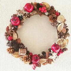 ダイソーDIY/ダイソーリメイク/セリアDIY/セリアリメイク/クリスマス準備/クリスマス仕様/... クリスマスリースを作りました(///ω/…(1枚目)