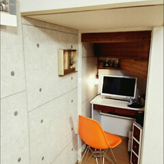 壁紙本舗/DIY/パソコンデスク/パソコンスペース/リノベーション 階段下の収納扉を取りはずし、フローリング…