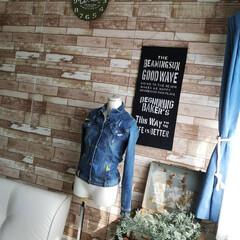 〔WAGIC〕 木目調 おしゃれなクッションシート壁 ビンテージウッド柄 AB4(その他キッチン、日用品、文具)を使ったクチコミ「リメイクした時計 小3次男の部屋に飾りま…」