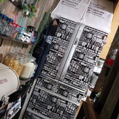 キッチン/冷蔵庫/リメイクシート/ダイソー/男前/100均 真っ白の冷蔵庫に ダイソーのリメイクシー…