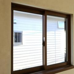 男前インテリア/ディスプレイ棚/原状回復/窓枠/窓枠DIY/寝室インテリア/... 寝室の窓。 普段、開けることのない窓。 …(2枚目)