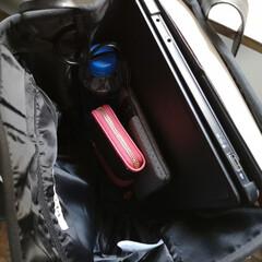 バッグ好き/軽量バッグ/通勤コーデ/Qbag/ファッション/夏対策/... 通勤用のバッグ。 これqbagってやつな…(2枚目)