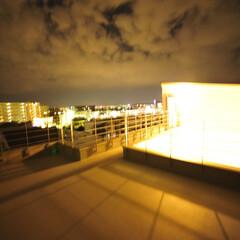屋上/ルーフテラス/ルーフバルコニー 敷地目いっぱいに建物を計画、外部に2台駐…