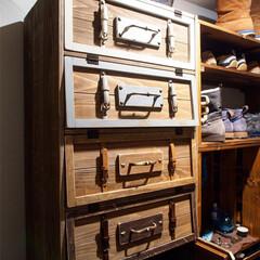 ワシンガードラックラテックス/ターナー色彩カラースパイス/扉DIY/靴箱/フォロー大歓迎/DIY/... 靴箱の扉がやっとできました😊 扉は 旅行…