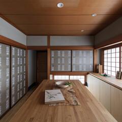 和室/和風/和モダン/ギャラリー/骨董/展示/... 床の間を勝手口に変更して物干し場への動線…