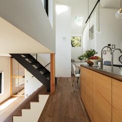 新築/木造/住宅/戸建て/一戸建て/リビング/... キッチンから四つ角を見返す。キッチン天板…