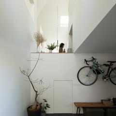 住宅/新築/木造/戸建て/一戸建て/家/... 土間ガレージ。中2階の下には秘密基地が広…