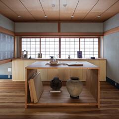 展示室/和風/和室/和モダン/襖/鹿児島睦/... ディスプレイしつつ大小様々な美術・骨董品…