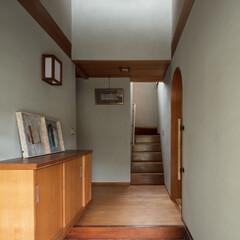 和風/日本建築/昭和/不動産・住宅/住まい/一戸建て/... 玄関と階段の手摺は新設。雰囲気を損ねない…