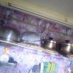 コンロ専用パネル/なっかん/+wonder/アイカ工業/キッチンパネル/男の台所/... ~吊り棚~  シンク正面の壁に棚が欲しい…