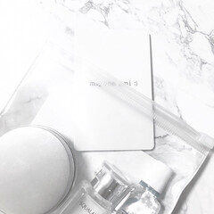 100均/ダイソー/ミラー/カードミラー/アクリルミラー/ホワイト雑貨 DAISOのカードミラー。軽くていいです!